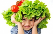 เคล็ดลับการฝึกลูกน้อยกินผลไม้