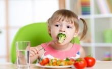 ทริคง่ายสอนลูกวัยซนให้หัดกินผัก