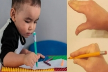 เคล็ดลับแสนสนุก สอนเจ้าตัวเล็กจับดินสอให้ถูกวิธี พ่อแม่ควรทำแบบนี้!