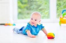 การเล่นที่กระตุ้นประสาทสัมผัสของลูกน้อยวัยแรกเกิด-3 เดือน