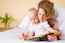 ทำไมต้องอ่านนิทานก่อนนอนให้เด็กฟัง???