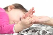 เรื่องที่ผู้ปกครองควรรู้: เมื่อลูกมีอาการชักจากไข้สูง
