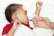 วิธีดูแลเมื่อลูกวัยทารกหรือวัยเตาะแตะเป็นไข้